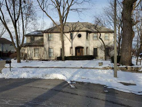 Photo of 1580 Woodcrest Court, Aurora, IL 60502 (MLS # 10978441)
