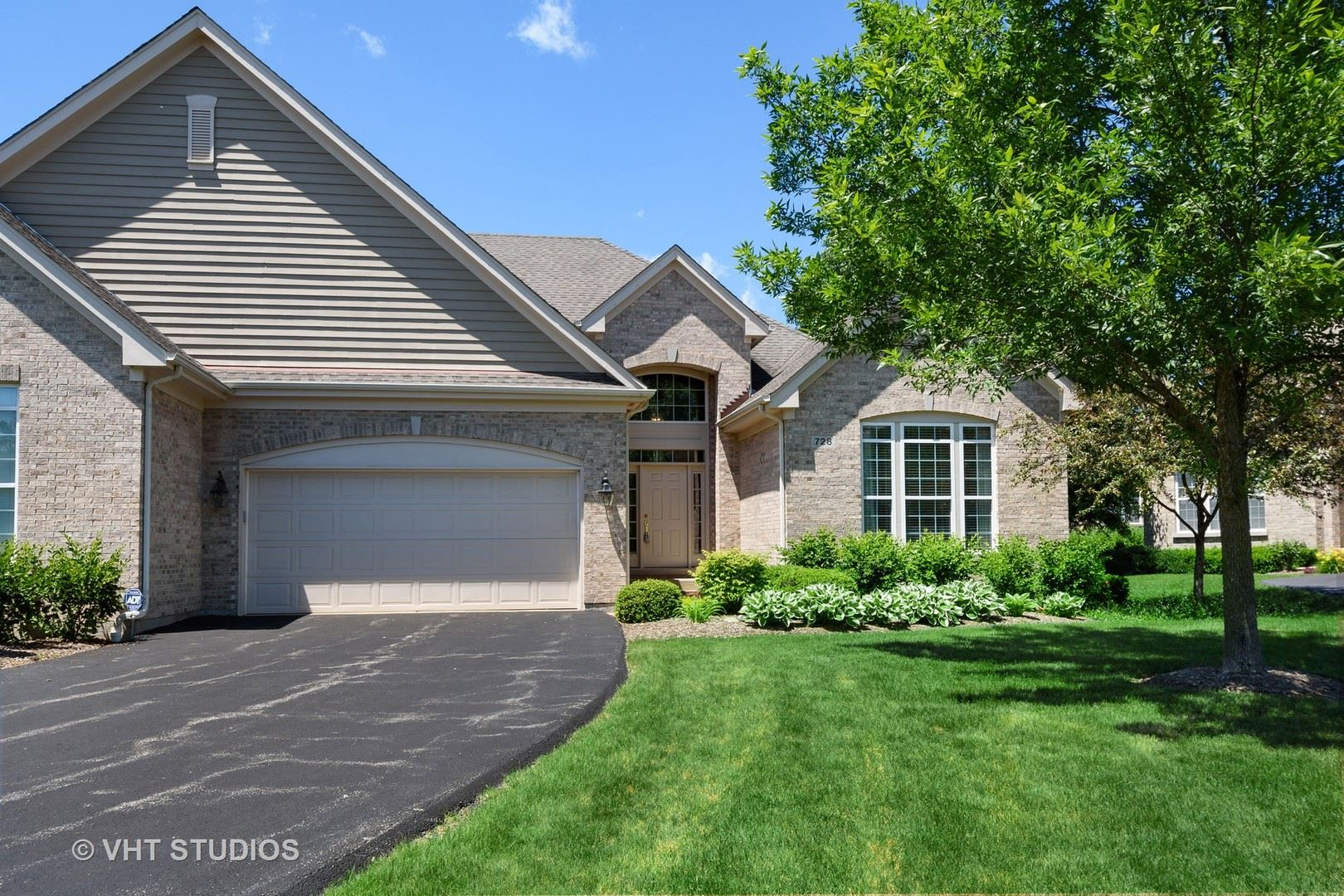 Photo for 728 Stone Canyon Circle, Inverness, IL 60010 (MLS # 10828442)