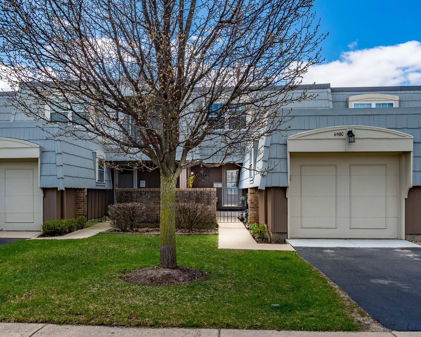 690 Versailles Circle #C, Elk Grove Village, IL 60007 - #: 10753444
