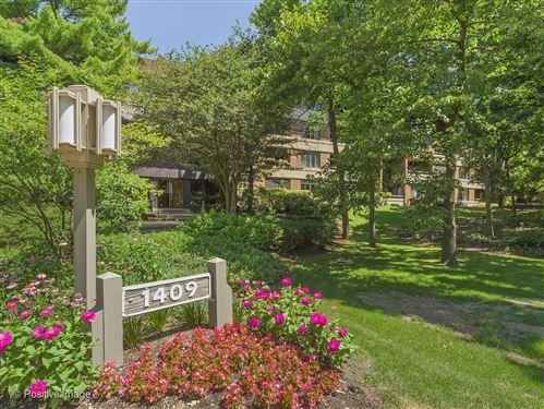 Photo of 1409 Burr Oak Road #311A, Hinsdale, IL 60521 (MLS # 10775445)
