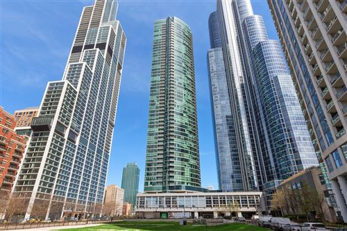 Photo of 1201 S PRAIRIE Avenue #3301, Chicago, IL 60605 (MLS # 11044445)