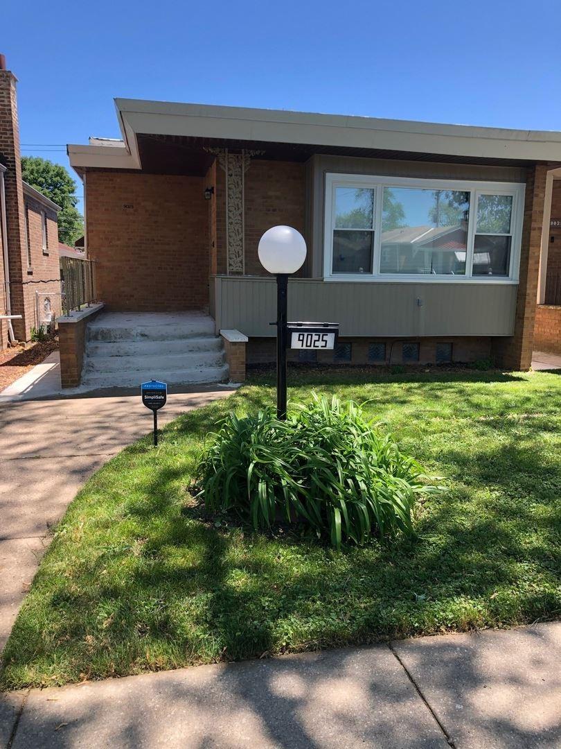 9025 S Oglesby Avenue, Chicago, IL 60617 - #: 10748446