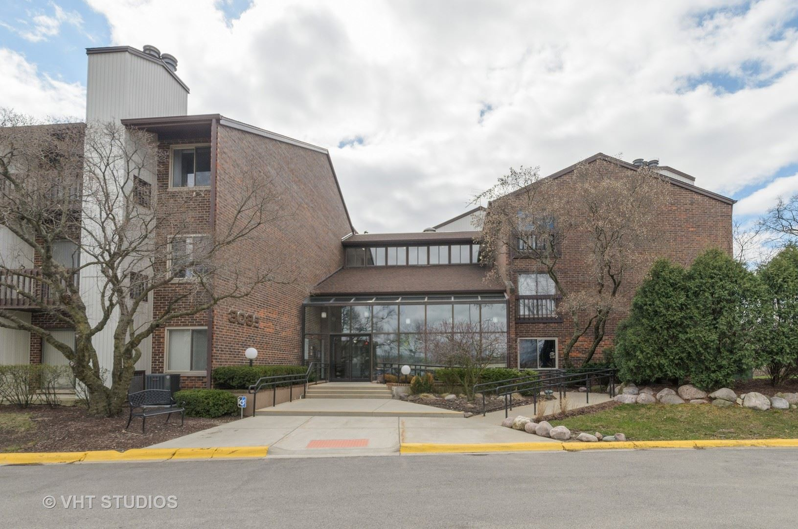 3085 Pheasant Creek Drive #311, Northbrook, IL 60062 - #: 10689448