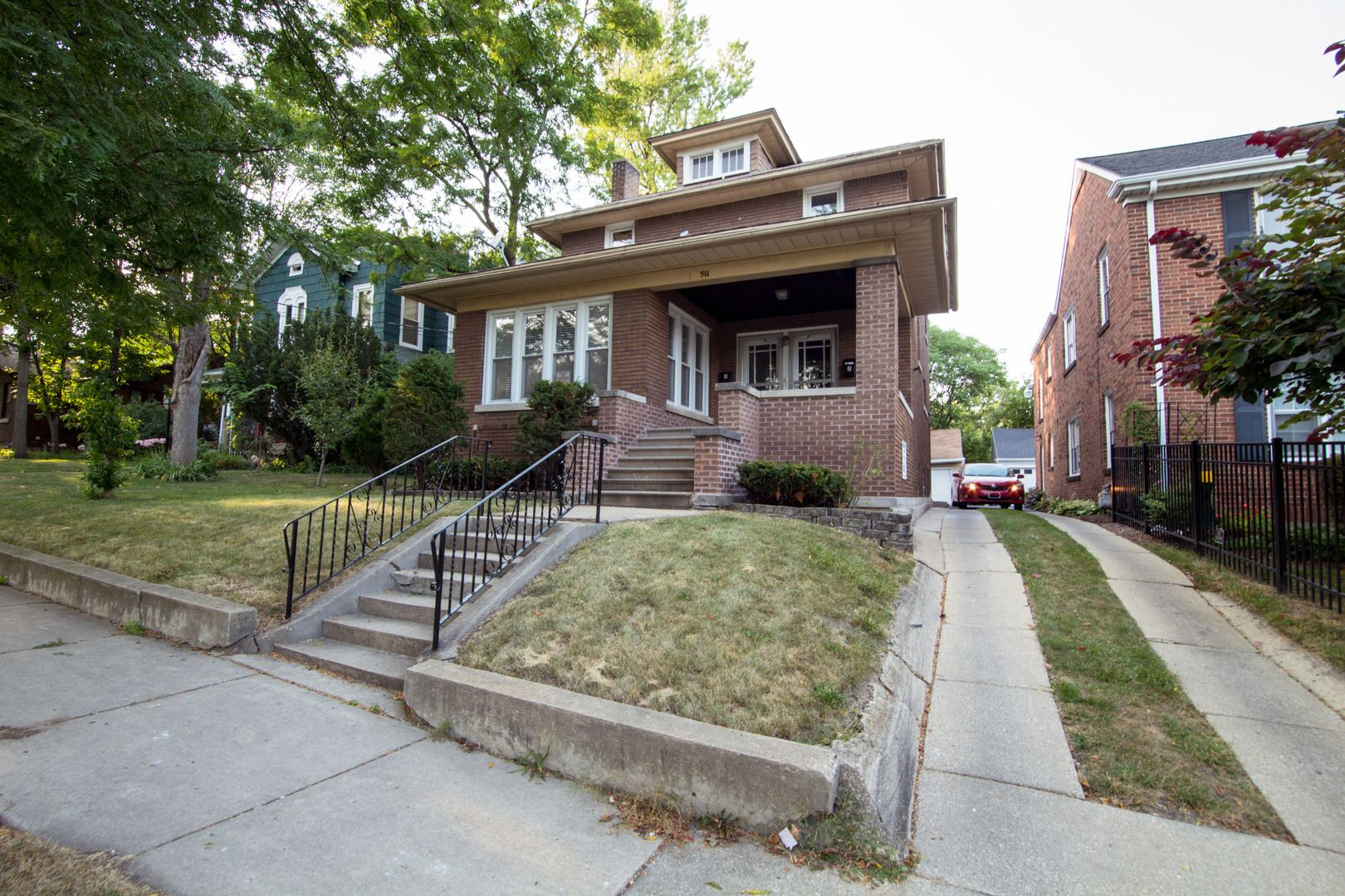 Photo of 511 W Marion Street, Joliet, IL 60436 (MLS # 10856450)