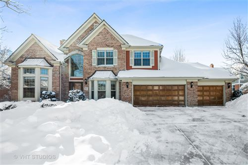 Photo of 911 LAKEWOOD Drive, Barrington, IL 60010 (MLS # 10990451)