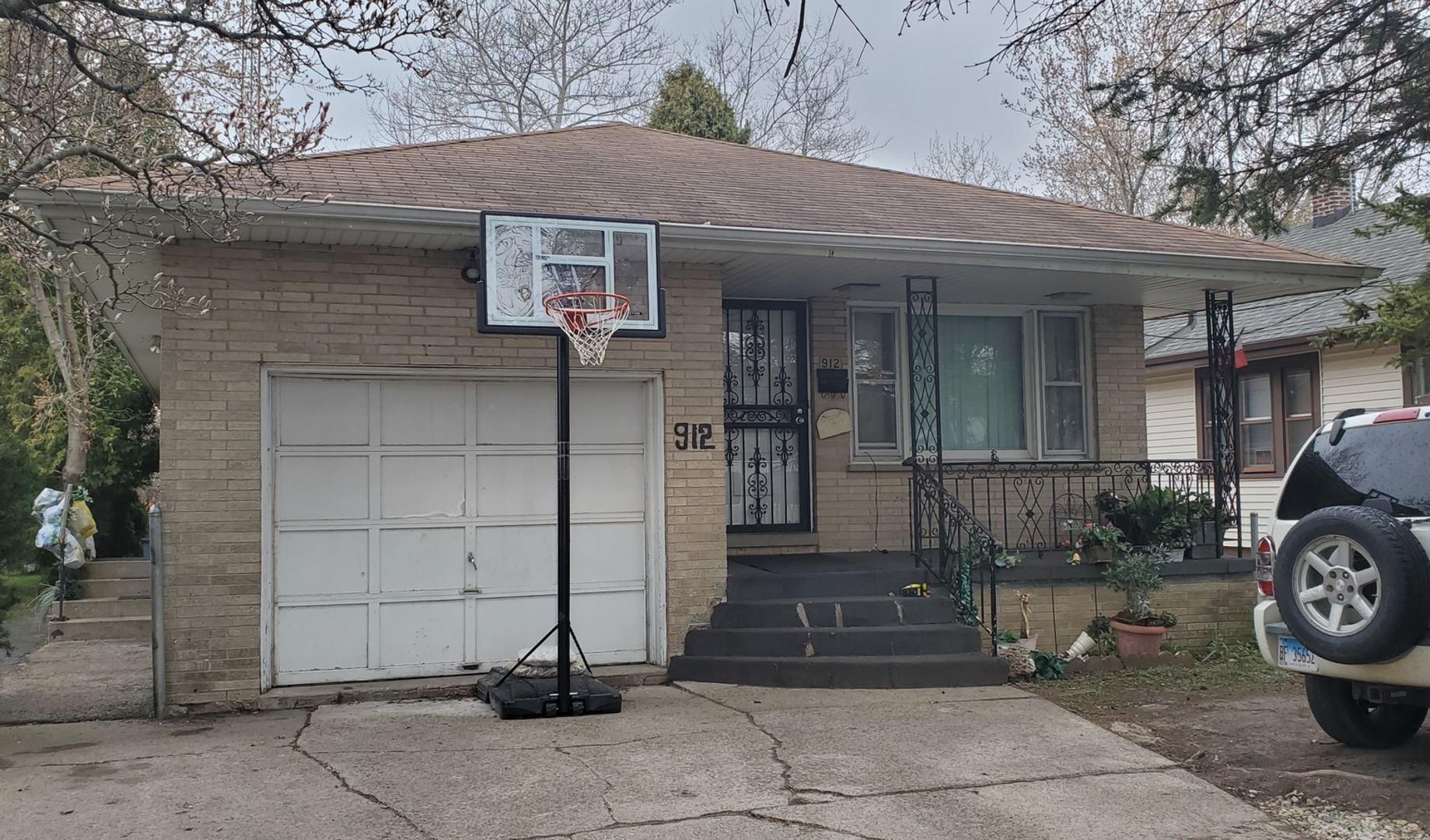 912 Pine Street, Waukegan, IL 60085 - #: 10696452