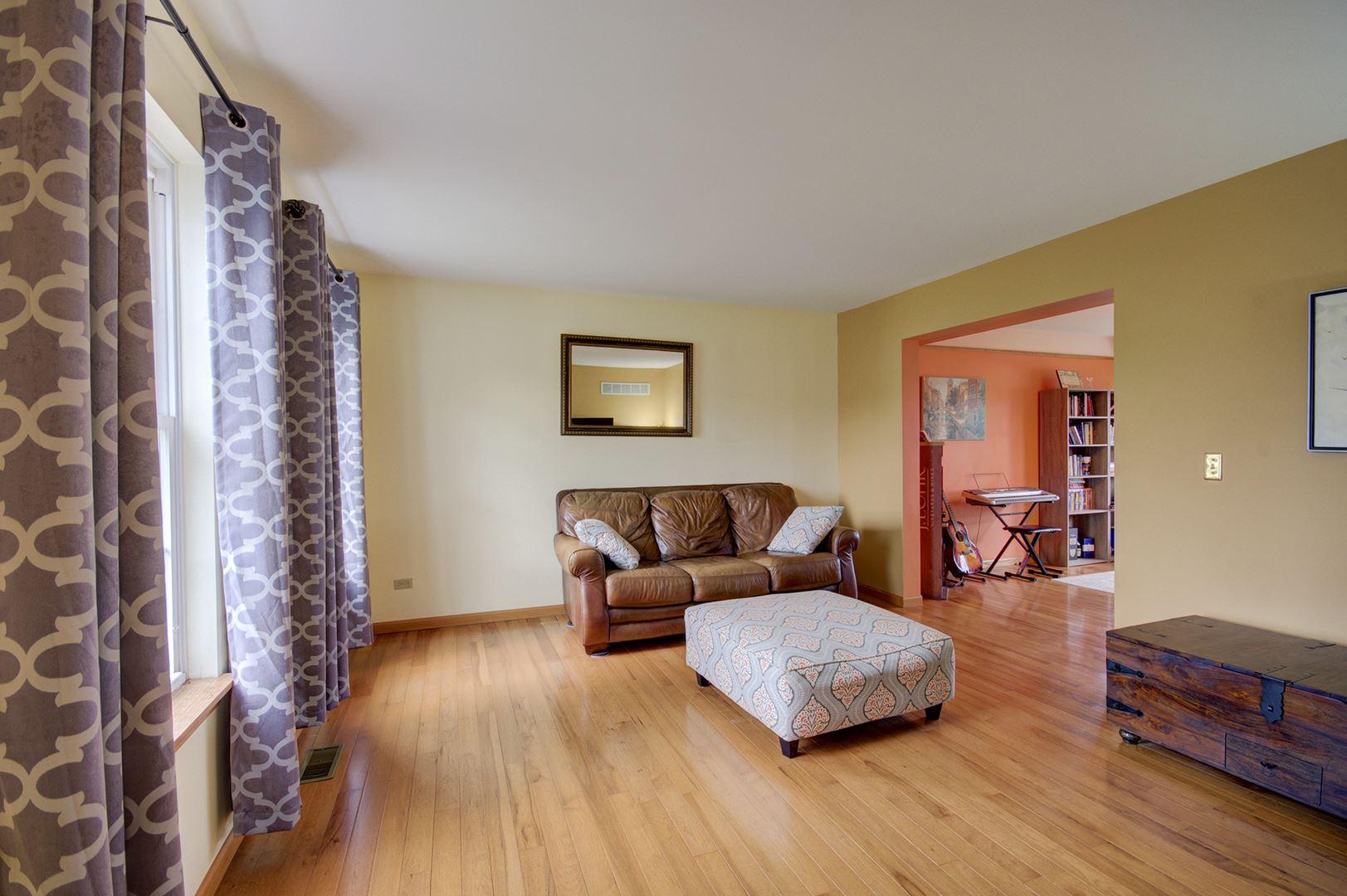 Photo of 1750 Gleneagle Court, Romeoville, IL 60446 (MLS # 11053452)
