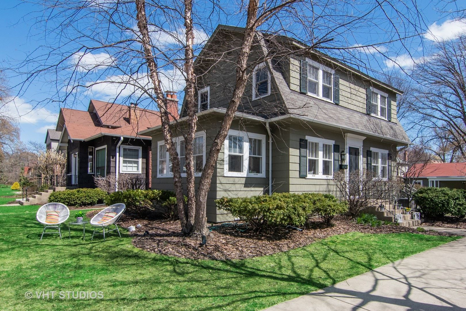 Photo for 2139 Forestview Road, Evanston, IL 60201 (MLS # 10829456)