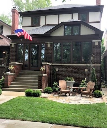 Photo of 2825 W EASTWOOD Avenue, Chicago, IL 60625 (MLS # 10612457)