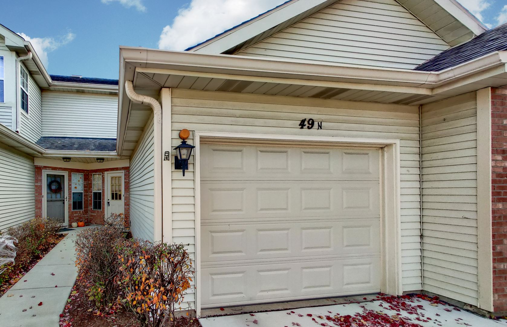 49 N GOLFVIEW Court, Glendale Heights, IL 60139 - #: 10926457