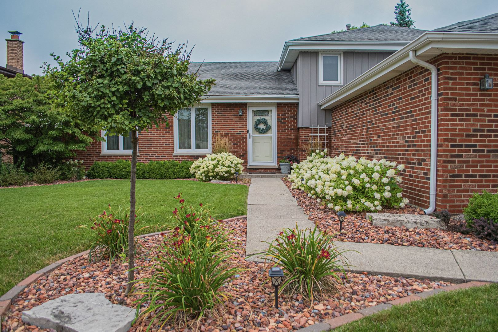17225 Valley Drive, Tinley Park, IL 60487 - #: 10807459