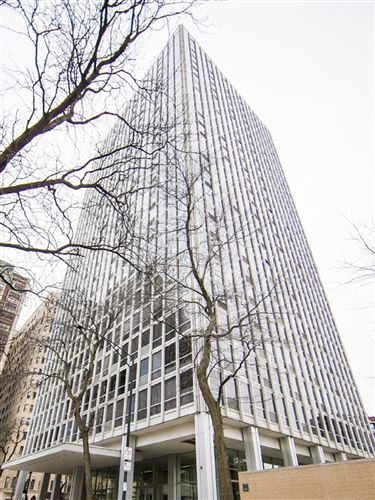 Photo of 2400 N Lakeview Avenue N #1101, Chicago, IL 60614 (MLS # 11073463)