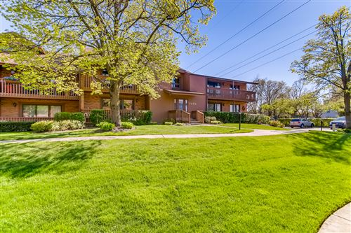 Photo of 7970 Garfield Avenue #102, Burr Ridge, IL 60527 (MLS # 11077463)