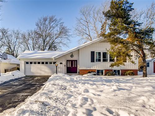 Photo of 5704 Crestview Drive, Western Springs, IL 60558 (MLS # 10990470)