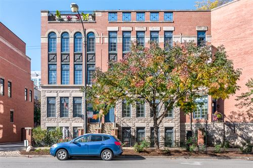 Photo of 716 N ORLEANS Street, Chicago, IL 60610 (MLS # 11002474)