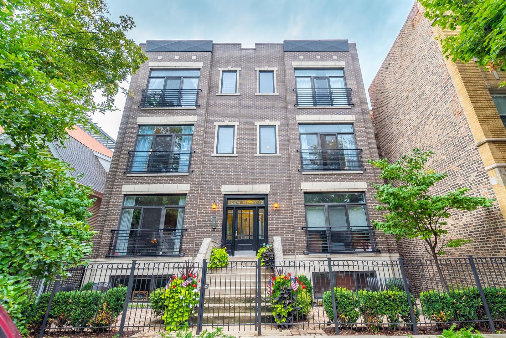 2242 West ROSCOE Street #2E, Chicago, IL 60618 - #: 10506474