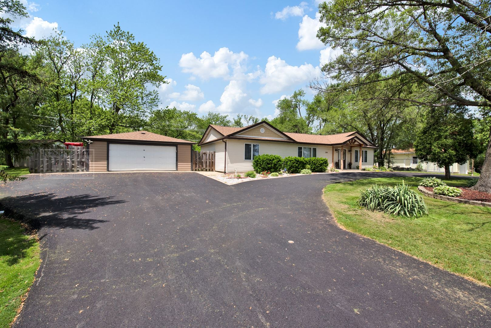 9140 S 84th Court, Hickory Hills, IL 60457 - #: 10741477