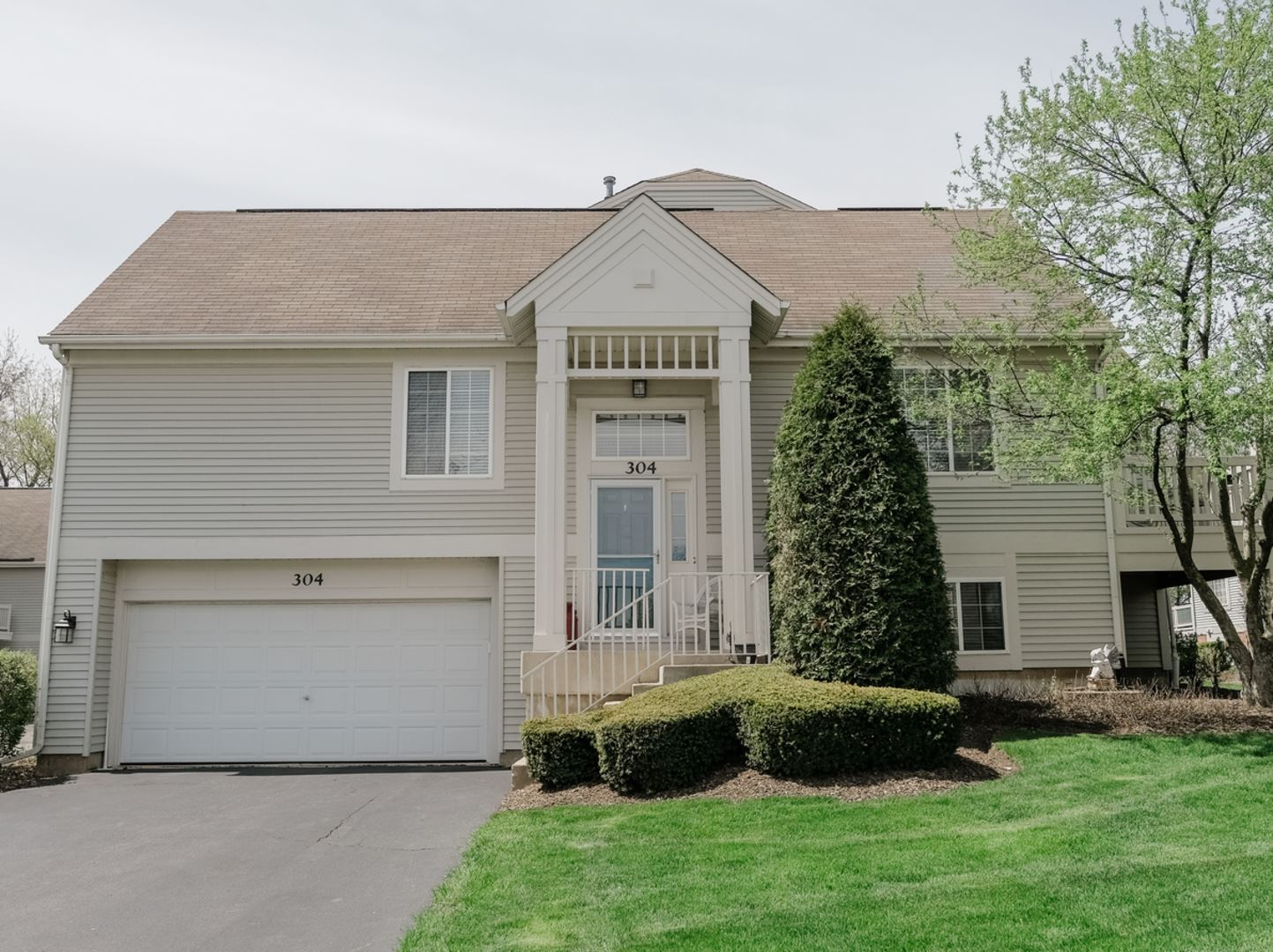 304 New Haven Drive, Cary, IL 60013 - #: 10704478