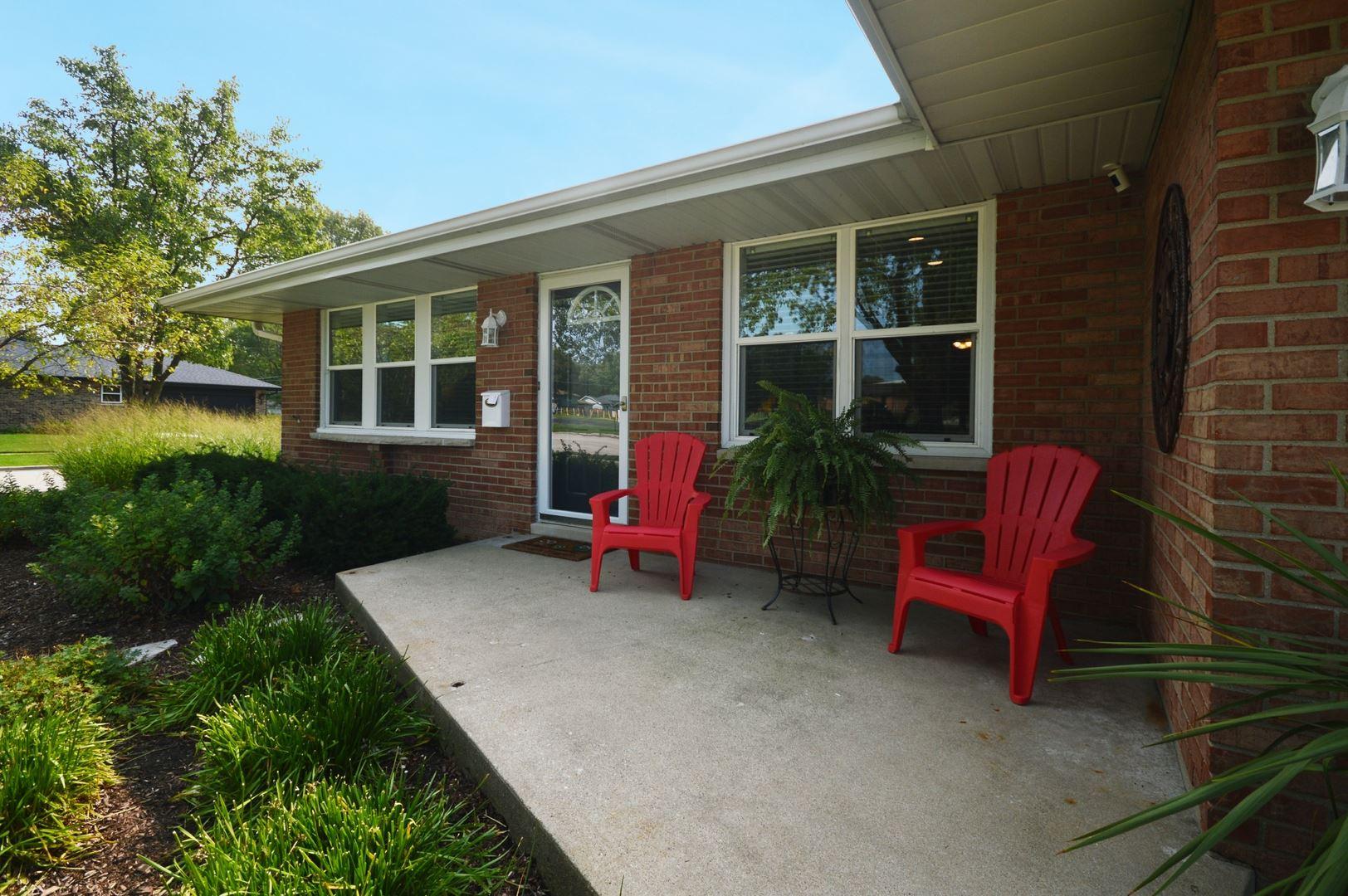 Photo of 2610 Glenwood Avenue, Joliet, IL 60435 (MLS # 10863479)
