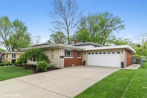 Photo of 1428 N Vail Avenue, Arlington Heights, IL 60004 (MLS # 10705482)