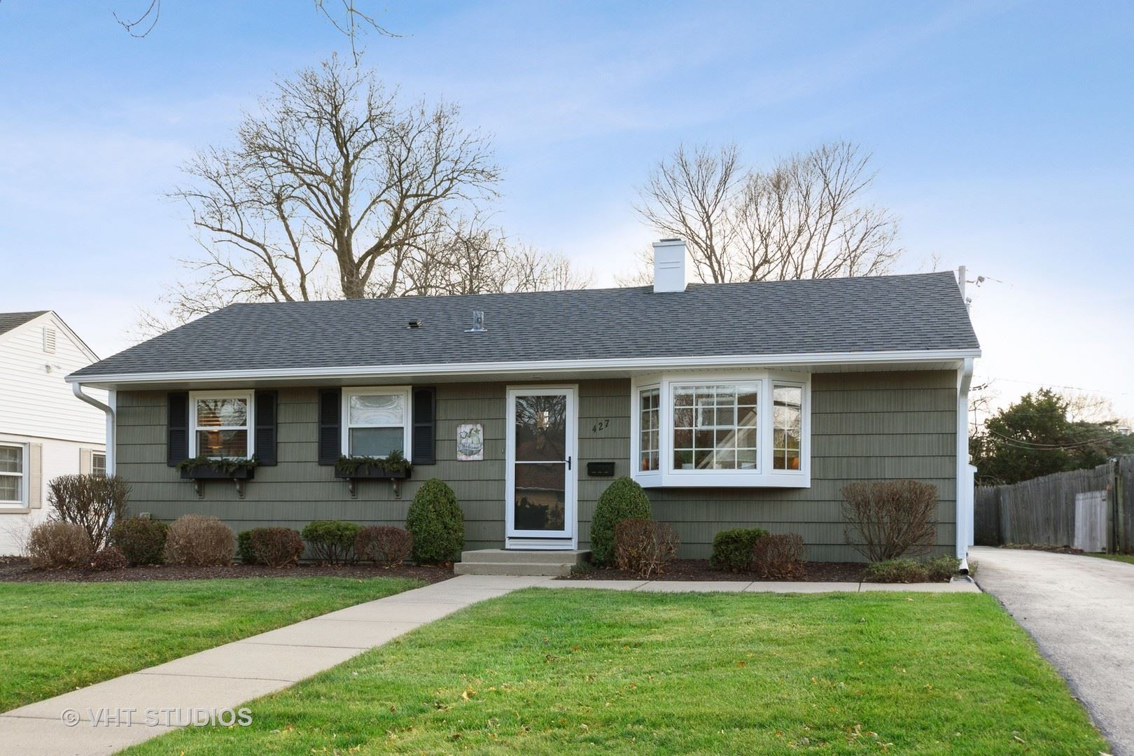 Photo for 427 E Berry Road, Barrington, IL 60010 (MLS # 10940482)