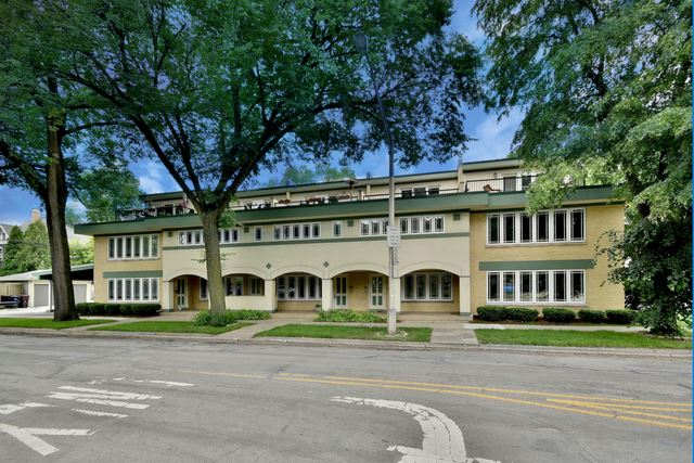 245 S Oak Park Avenue UNIT B, Oak Park, IL 60302 - #: 10424493