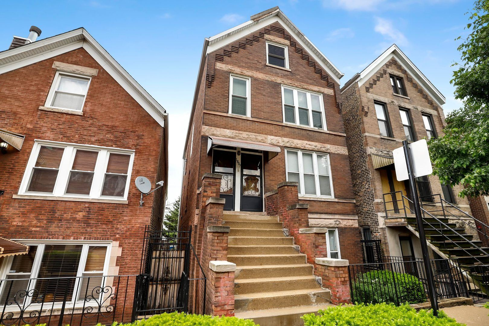 1807 N Hermitage Avenue, Chicago, IL 60622 - #: 10737493