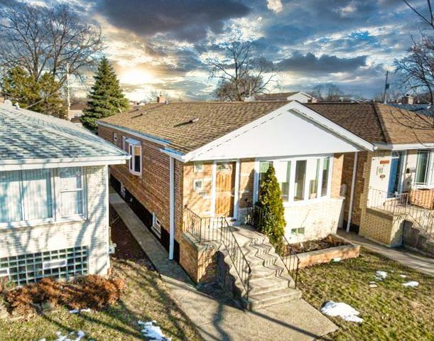 5951 S Rutherford Avenue, Chicago, IL 60638 - #: 10644494