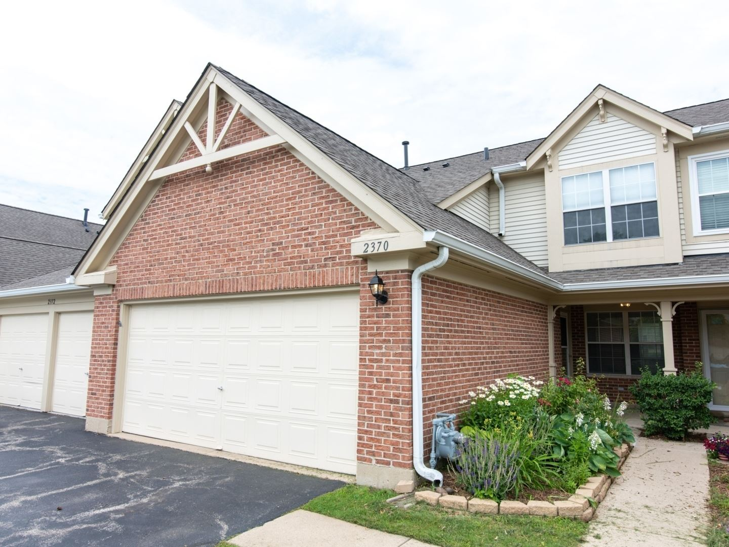 2370 COUNTY FARM Lane #D216, Schaumburg, IL 60194 - #: 10767494