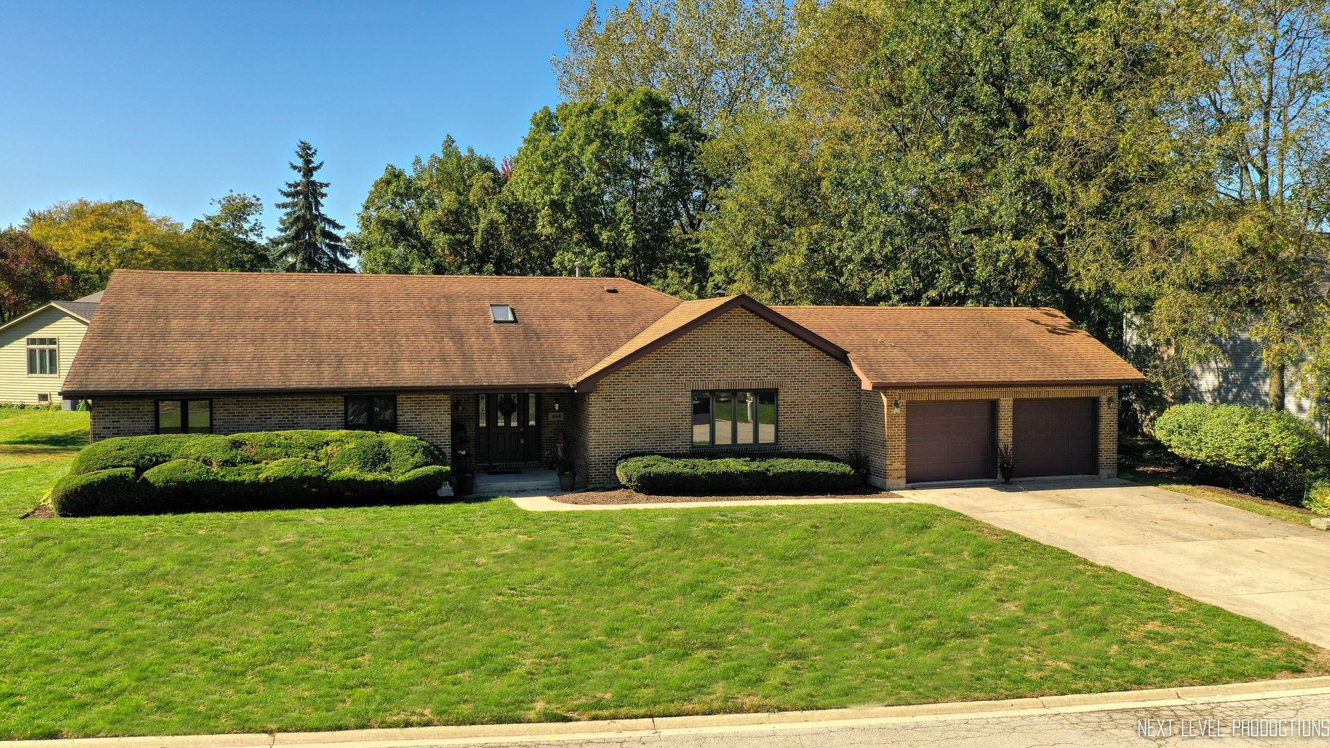 Photo of 884 Bonnie Brae Lane, Bolingbrook, IL 60440 (MLS # 10894494)