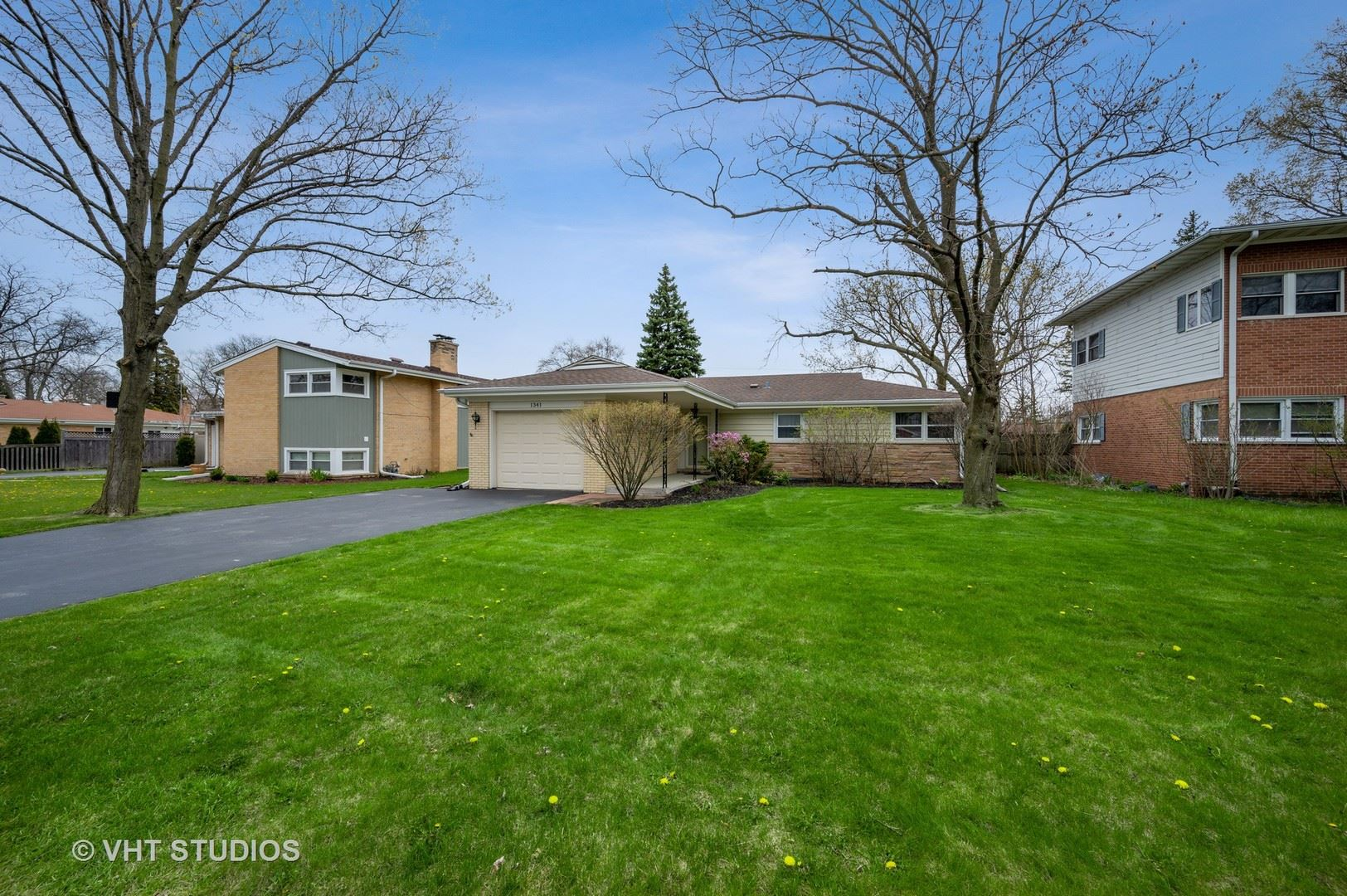1341 London Lane, Glenview, IL 60025 - #: 10696495