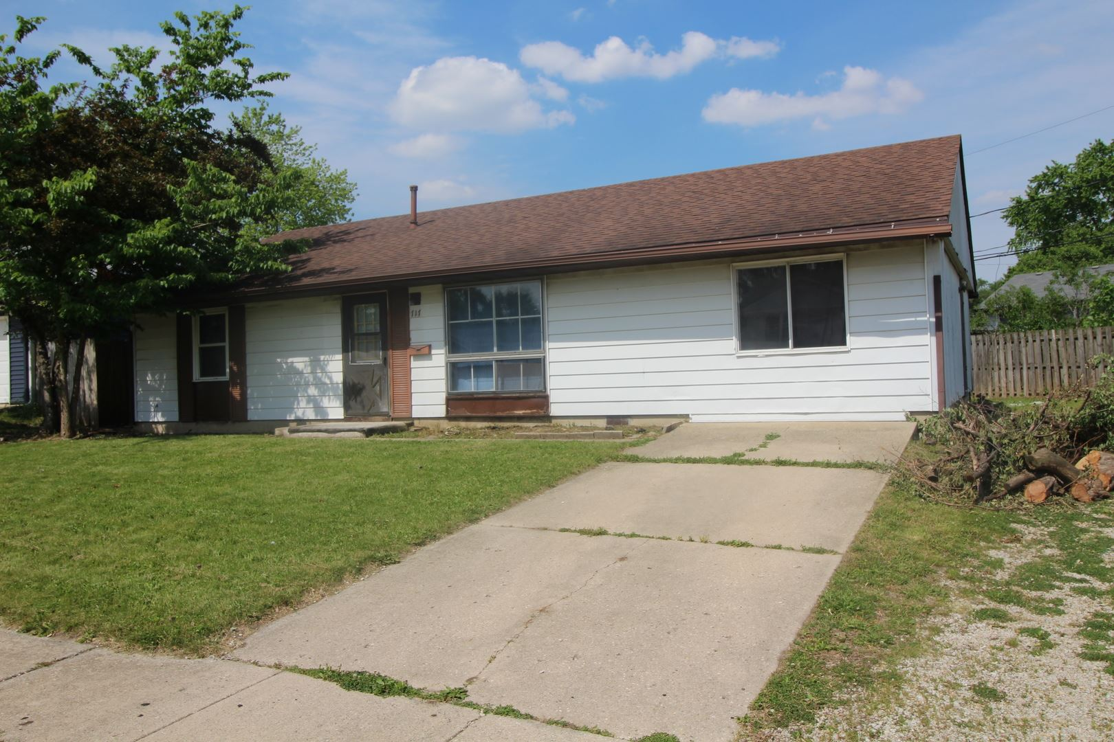 Photo of 717 Dexter Avenue, Romeoville, IL 60446 (MLS # 11126497)