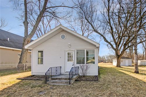 Photo of 1320 Nippersink Drive, Spring Grove, IL 60081 (MLS # 10946498)