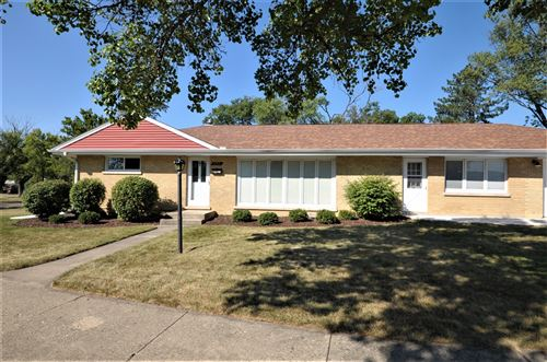 Photo of 598 Green Valley Drive W, Lombard, IL 60148 (MLS # 11215498)