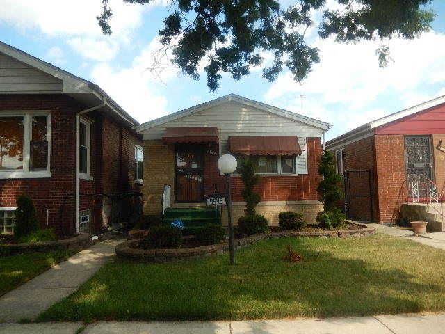 Photo for 9549 South perry Avenue, CHICAGO, IL 60628 (MLS # 10484503)