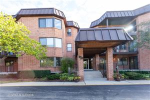 Photo of 6401 Clarendon Hills Road #315, Willowbrook, IL 60527 (MLS # 10552506)