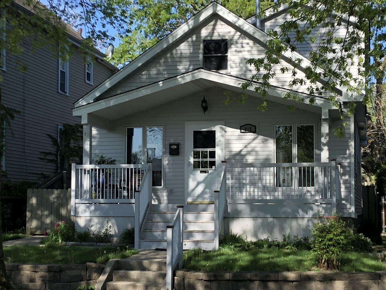 Photo of 815 Elizabeth Street, Joliet, IL 60431 (MLS # 11079506)
