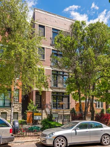 Photo for 924 West ROSCOE Street #1, Chicago, IL 60657 (MLS # 10544507)