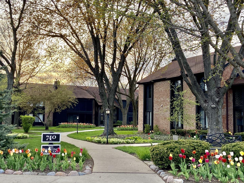 740 Saint Andrews Lane #15, Crystal Lake, IL 60014 - #: 10769507