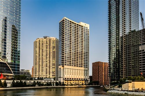 Photo of 333 N Canal Street #3006, Chicago, IL 60606 (MLS # 10862508)