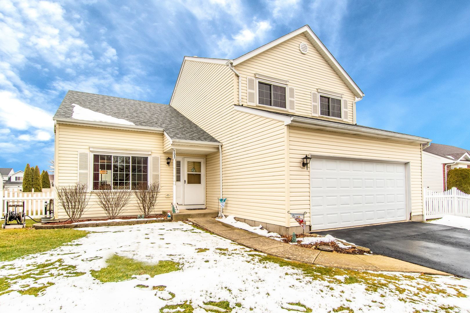 Photo for 508 Pheasant Chase Drive, Bolingbrook, IL 60490 (MLS # 10970513)