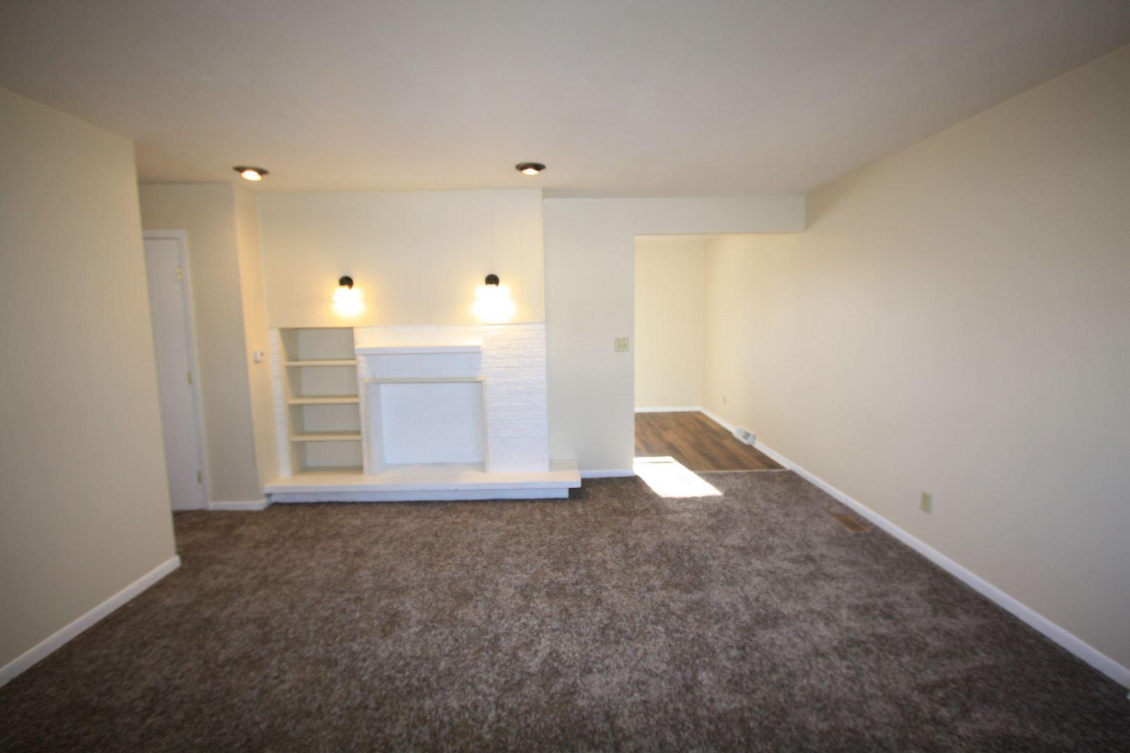 Photo of 811 Cypress Lane, Joliet, IL 60435 (MLS # 10944516)
