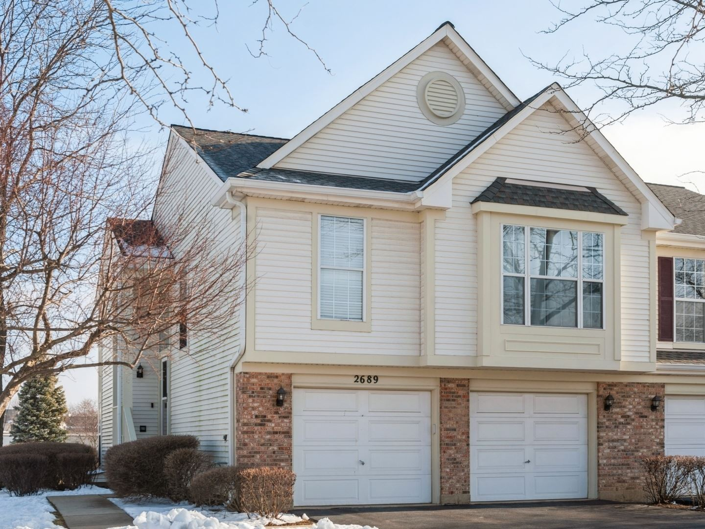 Photo for 2689 S Embers Lane, Arlington Heights, IL 60005 (MLS # 10970516)