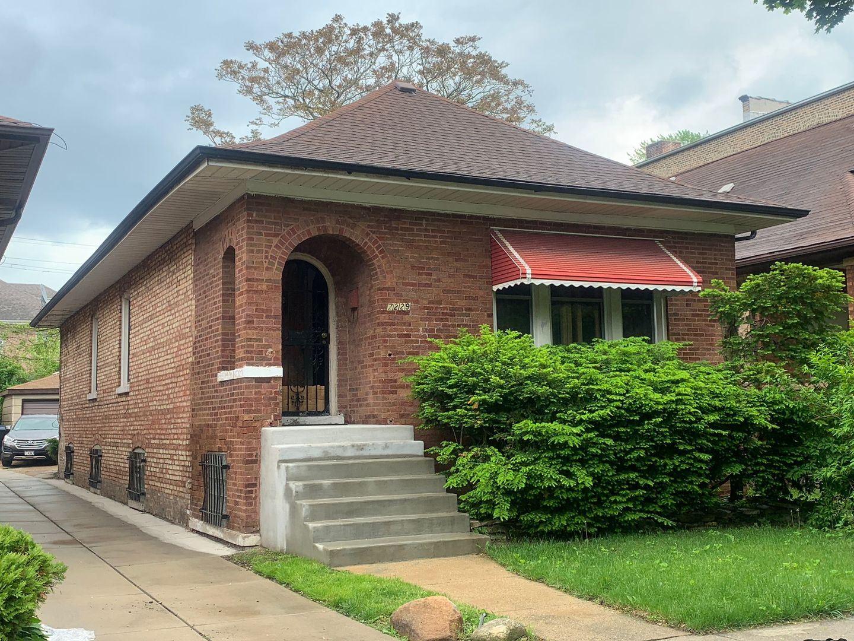 7229 S Bennett Avenue, Chicago, IL 60649 - #: 11156516