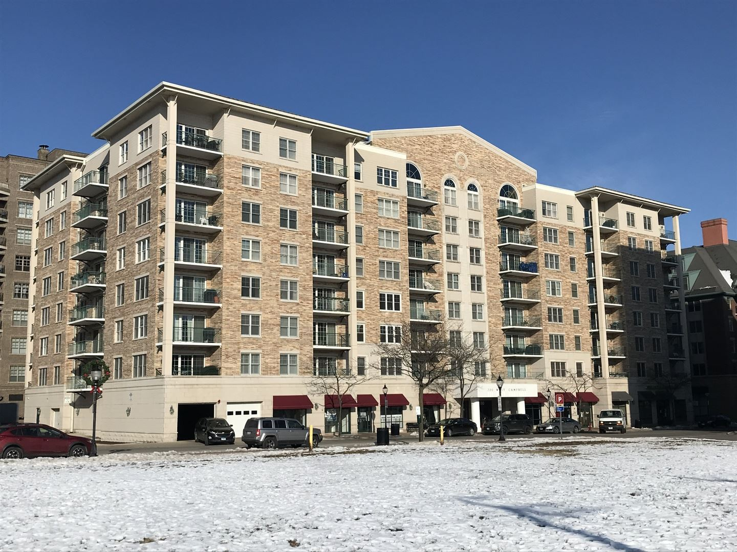 Photo for 200 W Campbell Street #408, Arlington Heights, IL 60005 (MLS # 10970517)