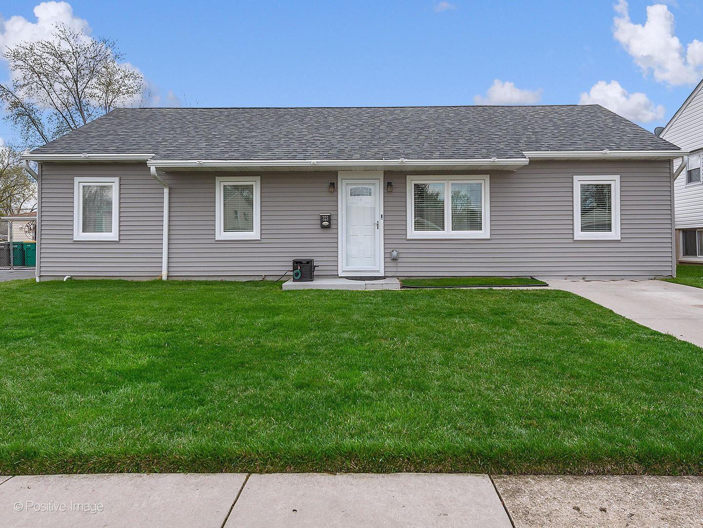 Photo of 325 Emery Avenue, Romeoville, IL 60446 (MLS # 11052517)