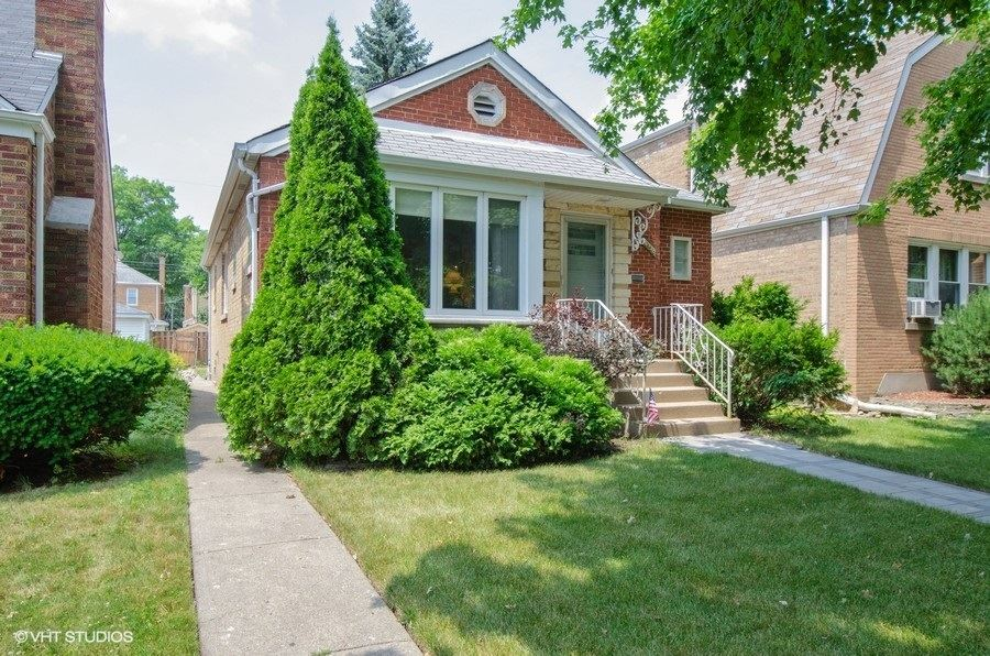6138 N Keeler Avenue, Chicago, IL 60646 - #: 10777520