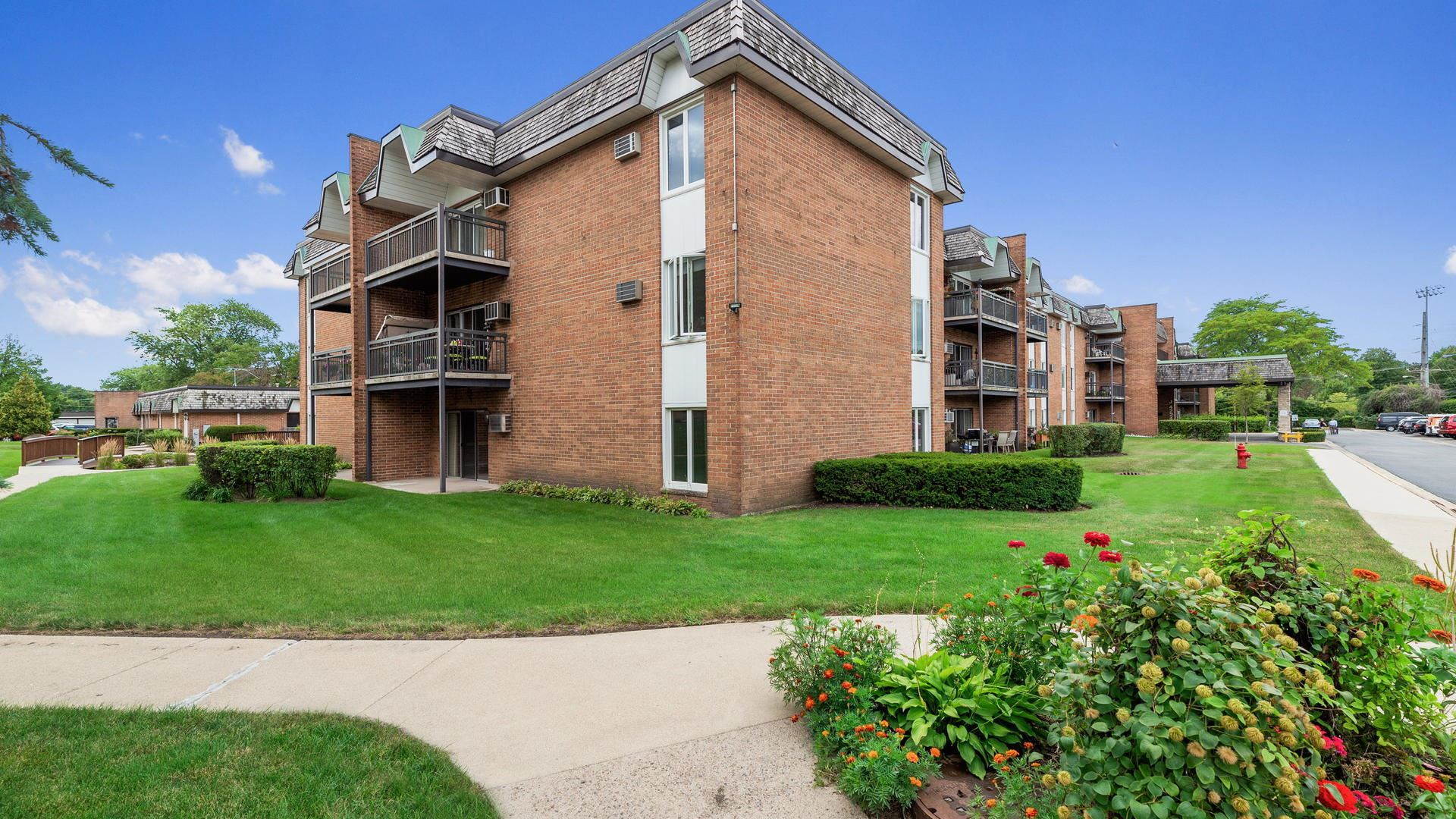 4224 Saratoga Avenue #114-J, Downers Grove, IL 60515 - #: 10809521