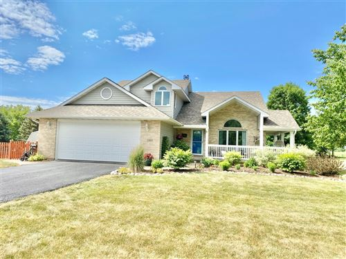 Photo of 1005 Ember Lane, Spring Grove, IL 60081 (MLS # 11112526)