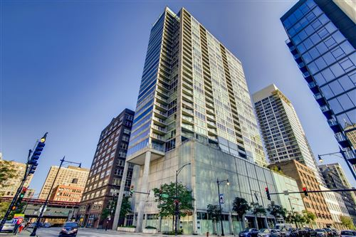 Photo of 611 S Wells Street #1906, Chicago, IL 60607 (MLS # 11221526)